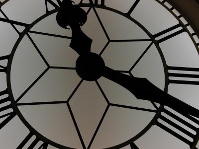 clock-1082336_400x300