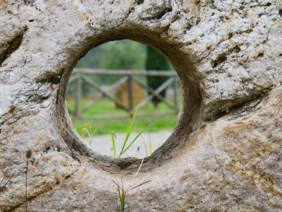 stone-1132152_400x300